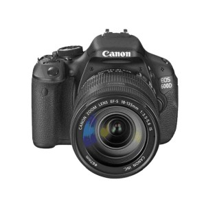 CANON EOS 600D + OBJECTIF EF-S 18-55 MM IS